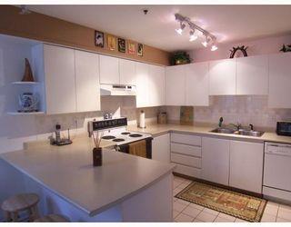 "Photo 1: 24 7345 SANDBORNE Avenue in Burnaby: South Slope Townhouse for sale in ""SANDBORNE WOODS"" (Burnaby South)  : MLS®# V750249"