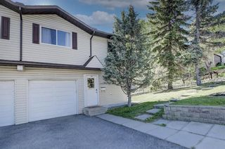 Photo 2: 2908 18 Street SW in Calgary: South Calgary Row/Townhouse for sale : MLS®# A1116284