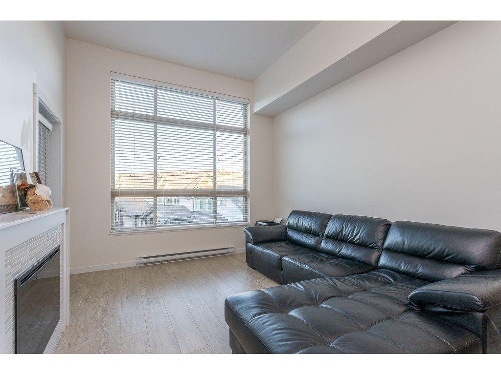 Photo 16: Photos: 405 19201 66A AVENUE in Surrey: Clayton Condo for sale (Cloverdale)  : MLS®# R2529240