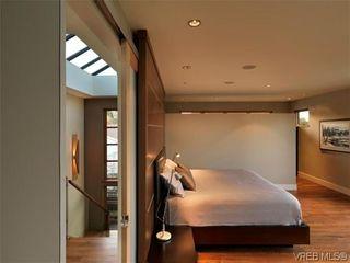 Photo 13: 915 Runnymede Pl in VICTORIA: OB South Oak Bay House for sale (Oak Bay)  : MLS®# 629571