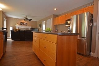 """Photo 9: 7562 SOUTHRIDGE Avenue in Prince George: St. Lawrence Heights House for sale in """"ST. LAWRENCE"""" (PG City South (Zone 74))  : MLS®# R2089949"""