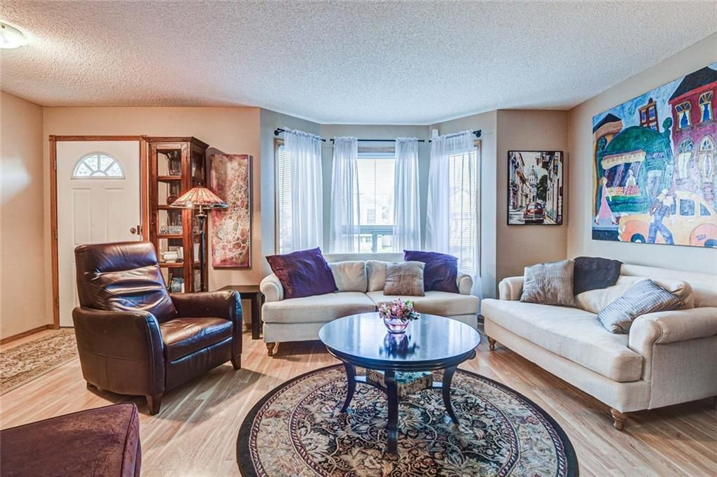 Photo 2: Photos: 62 RIVERCREST Circle SE in Calgary: Riverbend Detached for sale : MLS®# C4273736