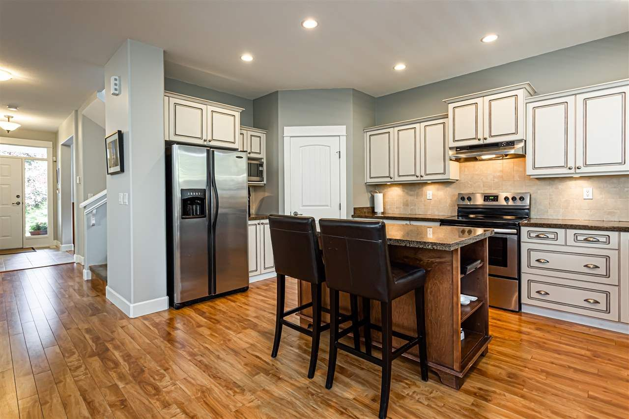 """Photo 13: Photos: 6751 204B Street in Langley: Willoughby Heights House for sale in """"TANGLEWOOD"""" : MLS®# R2557425"""