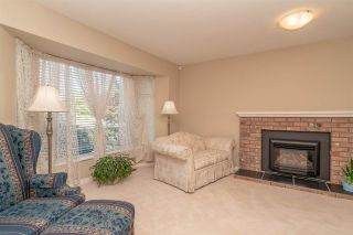 """Photo 2: 15542 98A Avenue in Surrey: Guildford House for sale in """"Briarwood"""" (North Surrey)  : MLS®# R2303432"""