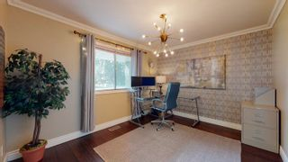 Photo 3: 144 QUESNELL Crescent in Edmonton: Zone 22 House for sale : MLS®# E4265039