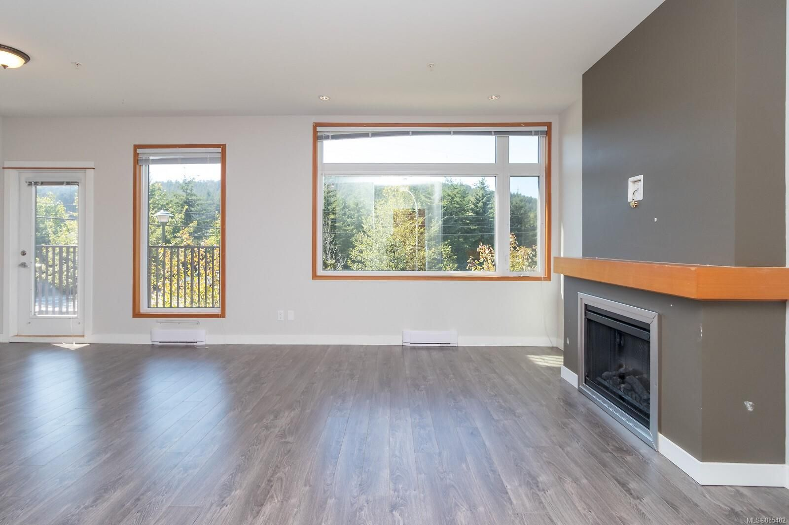 Main Photo: 106 150 Nursery Hill Dr in : VR Six Mile Condo for sale (View Royal)  : MLS®# 885482