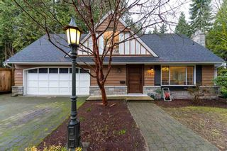 Photo 1: 498 Inglewood Ave. in West Vancouver: Cedardale House for sale : MLS®# R2029856