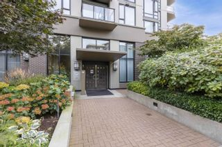 """Photo 2: 401 151 W 2ND Street in North Vancouver: Lower Lonsdale Condo for sale in """"SKY"""" : MLS®# R2615924"""