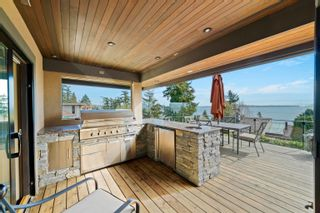 """Photo 9: 14170 WHEATLEY Avenue: White Rock House for sale in """"West Side"""" (South Surrey White Rock)  : MLS®# R2620331"""