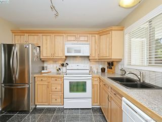 Photo 3: B 490 Terrahue Rd in VICTORIA: Co Wishart South Half Duplex for sale (Colwood)  : MLS®# 762813