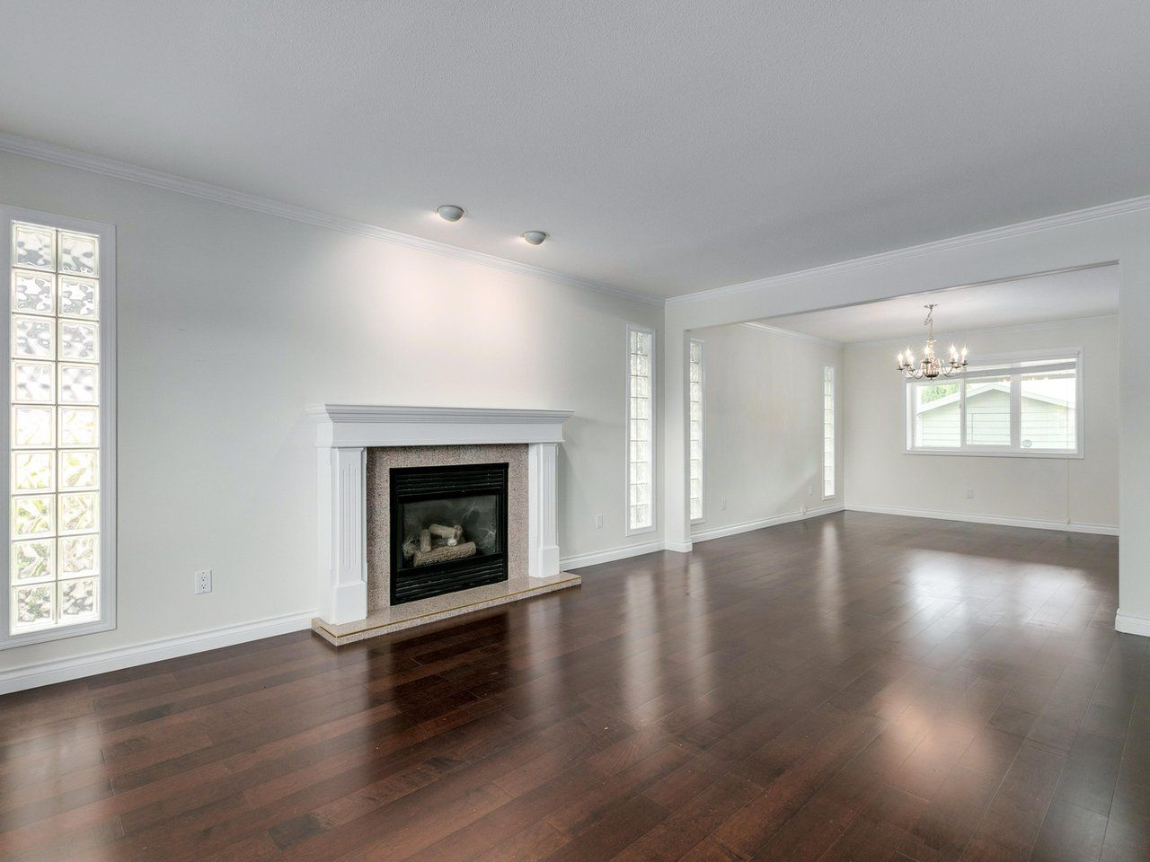 Photo 3: Photos: 1216 PRETTY Court in New Westminster: Queensborough House for sale : MLS®# R2617375