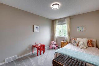 Photo 32: 63 Springbluff Boulevard SW in Calgary: Springbank Hill Detached for sale : MLS®# A1131940