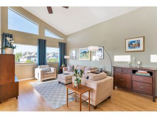 """Photo 3: 866 STEVENS Street: White Rock House for sale in """"west view"""" (South Surrey White Rock)  : MLS®# R2505074"""
