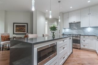 """Photo 5: 501 14855 THRIFT Avenue: White Rock Condo for sale in """"Royce"""" (South Surrey White Rock)  : MLS®# R2149849"""