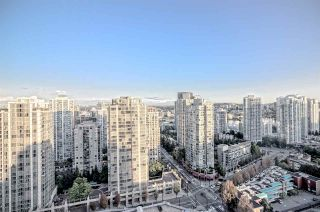 "Photo 1: 2707 977 MAINLAND Street in Vancouver: Yaletown Condo for sale in ""YALETOWN PARK 3"" (Vancouver West)  : MLS®# R2403186"