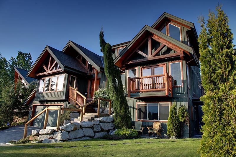 FEATURED LISTING: 1037 GLACIER VIEW Drive Squamish
