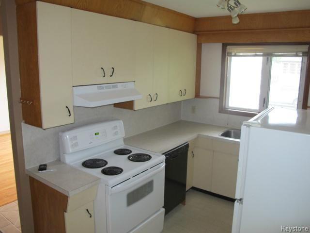Photo 3: Photos:  in WINNIPEG: East Kildonan Residential for sale (North East Winnipeg)  : MLS®# 1414106
