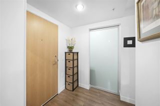 """Photo 15: 311 221 E 3RD Street in North Vancouver: Lower Lonsdale Condo for sale in """"Orizon on Third"""" : MLS®# R2470227"""