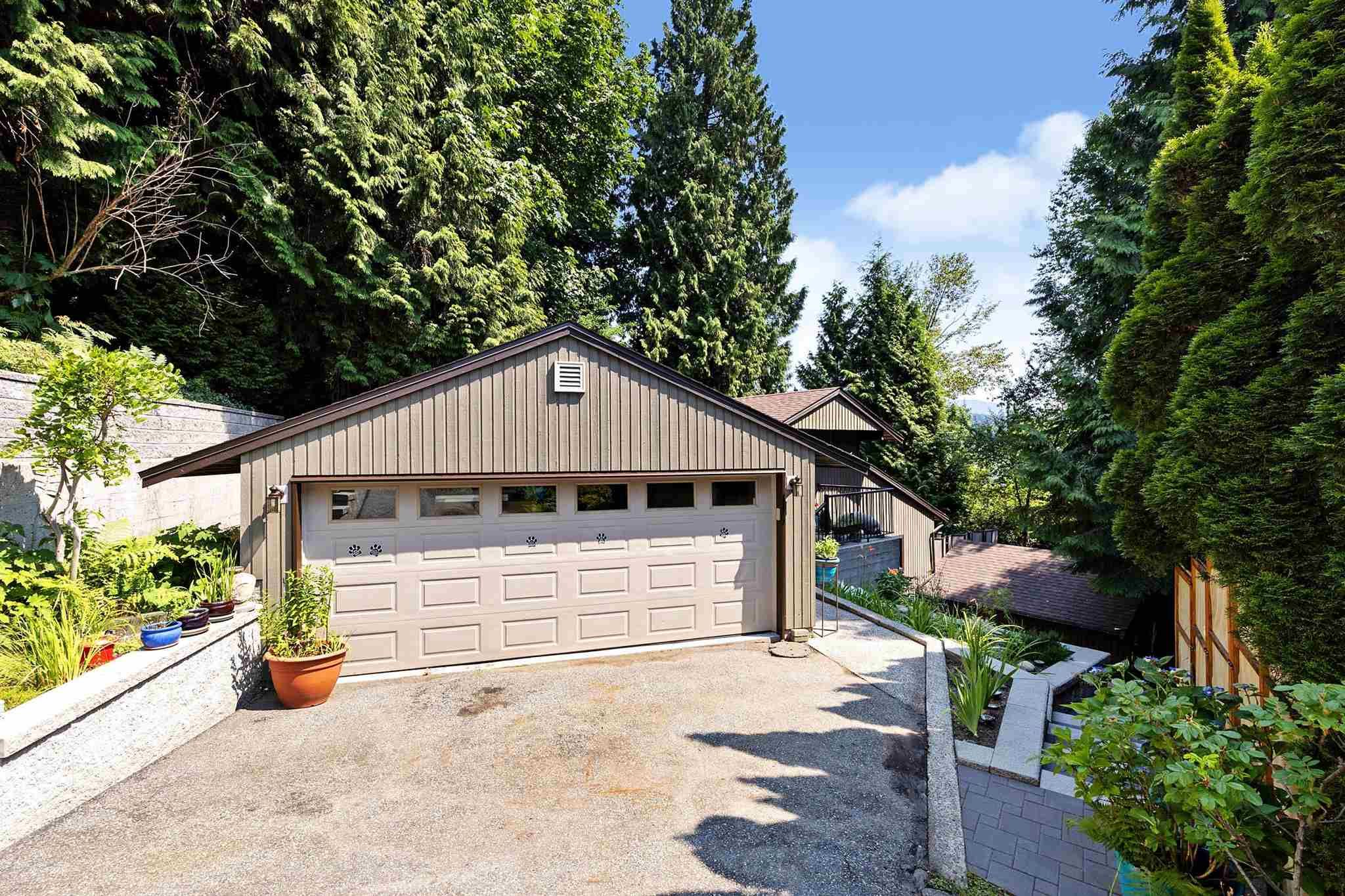 Main Photo: 1773 VIEW Street in Port Moody: Port Moody Centre House for sale : MLS®# R2600072