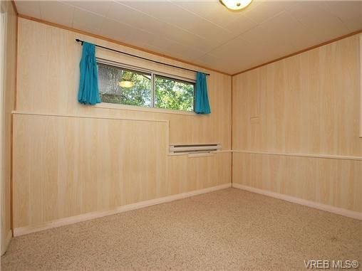 Photo 9: Photos: 3815 Campus Crescent in VICTORIA: SE Mt Tolmie Residential for sale (Saanich East)  : MLS®# 336697
