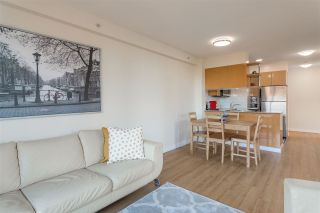 """Photo 5: 2008 1189 HOWE Street in Vancouver: Downtown VW Condo for sale in """"GENESIS"""" (Vancouver West)  : MLS®# R2459398"""