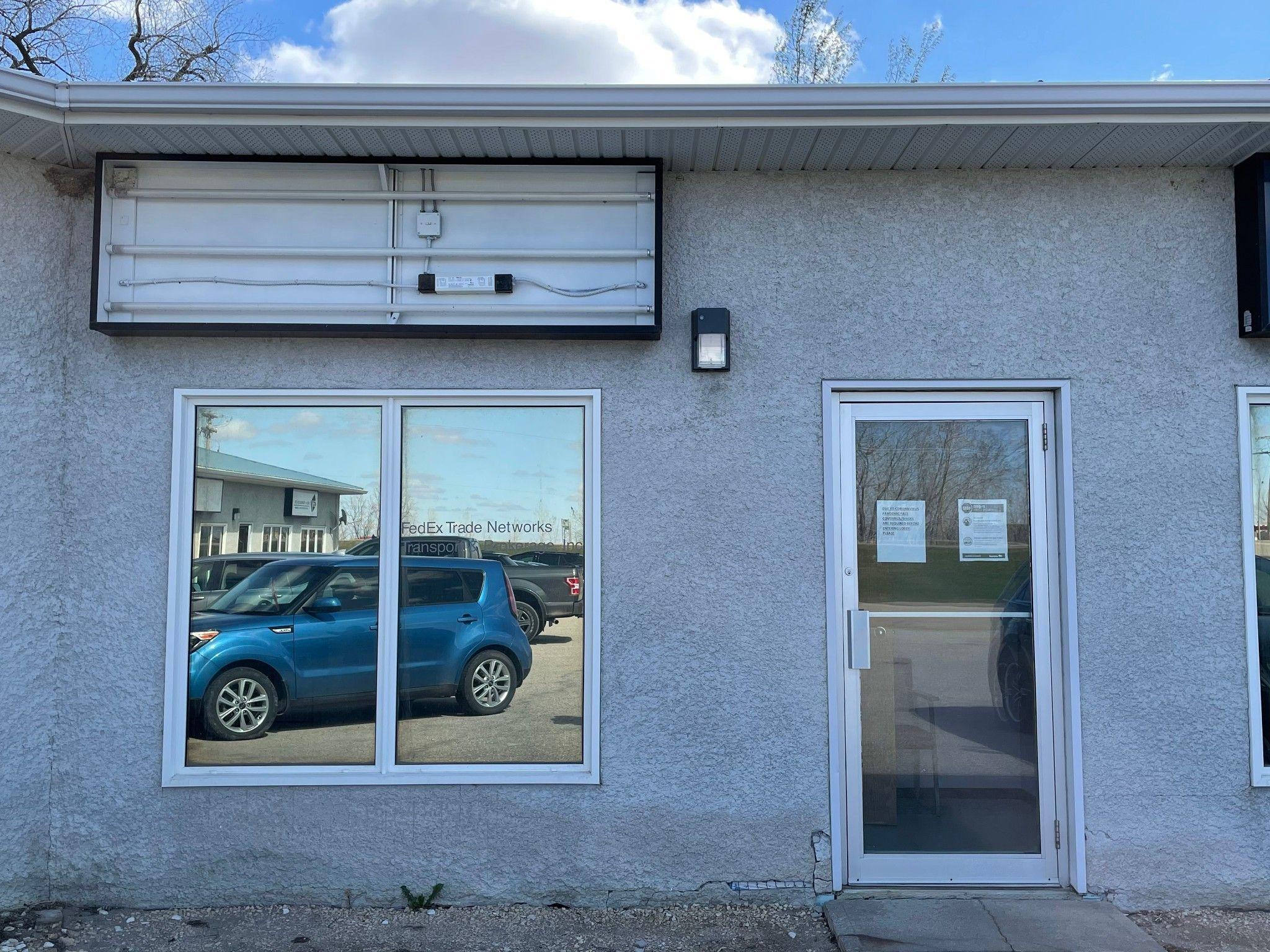 Main Photo: 4 389 Goshen Avenue in Emerson: Office for sale