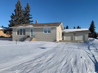 Photo 1: 101 Railway Avenue in Theodore: Residential for sale : MLS®# SK841658