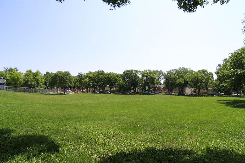 Photo 61: Photos: 470 Clifton Street in Winnipeg: Wolseley Single Family Detached for sale (West Winnipeg)  : MLS®# 1314152