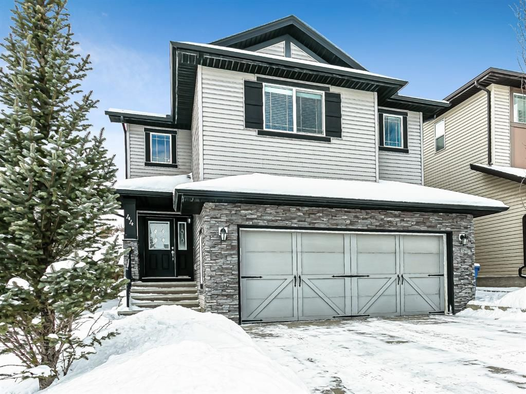 Main Photo: 44 SHERWOOD Crescent NW in Calgary: Sherwood Detached for sale : MLS®# A1068084