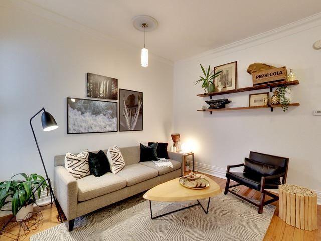 Photo 3: Photos: 50 Lippincott Street in Toronto: Kensington-Chinatown House (Bungalow) for sale (Toronto C01)  : MLS®# C4106394