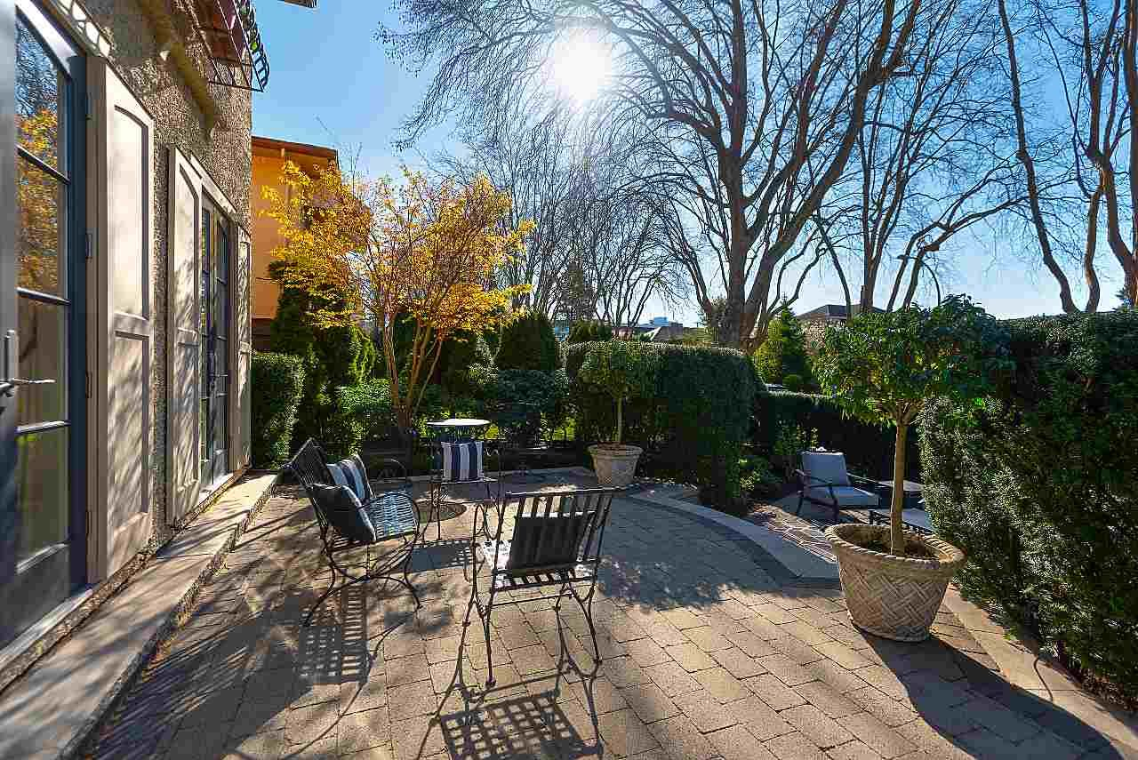Photo 4: Photos: 3791 W 26TH Avenue in Vancouver: Dunbar House for sale (Vancouver West)  : MLS®# R2571689