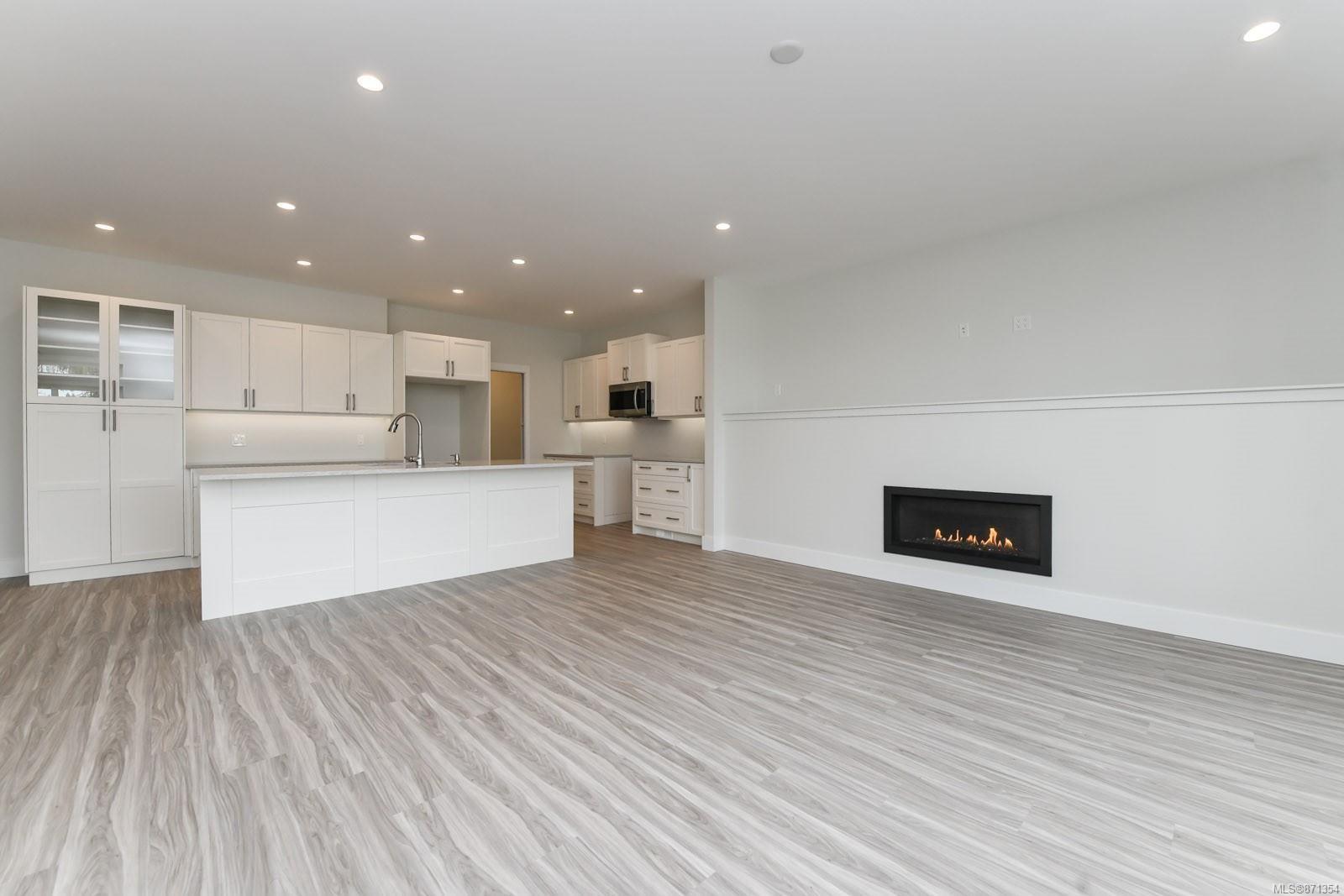 Photo 11: Photos: 68 Grayhawk Pl in : CV Courtenay City House for sale (Comox Valley)  : MLS®# 871354