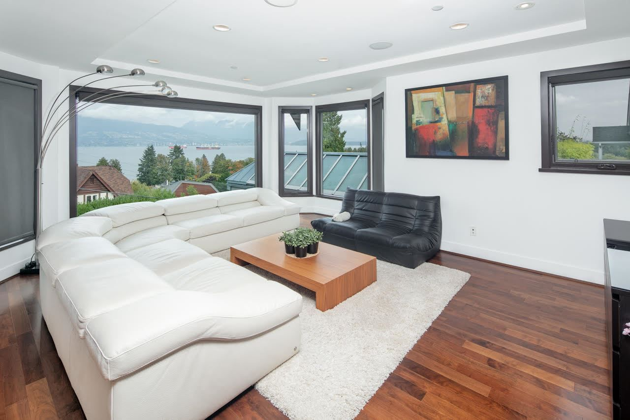 Photo 7: Photos: 4584 LANGARA Avenue in Vancouver: Point Grey House for sale (Vancouver West)  : MLS®# R2526134