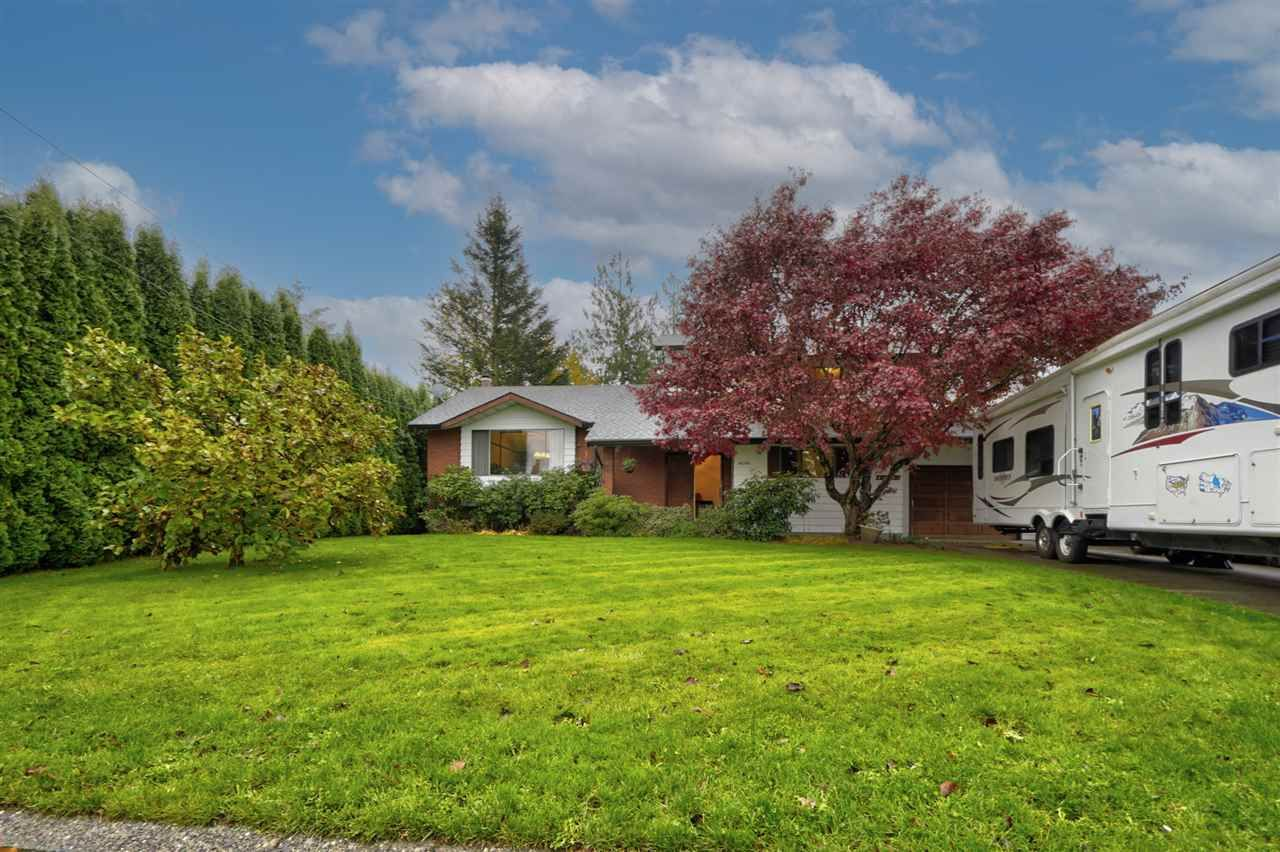 "Main Photo: 46194 GREENWOOD Drive in Chilliwack: Sardis East Vedder Rd House for sale in ""Sardis Park"" (Sardis)  : MLS®# R2517586"