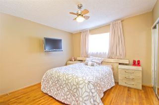 Photo 9: CLAIREMONT House for sale : 3 bedrooms : 5141 Cole Street in San Diego