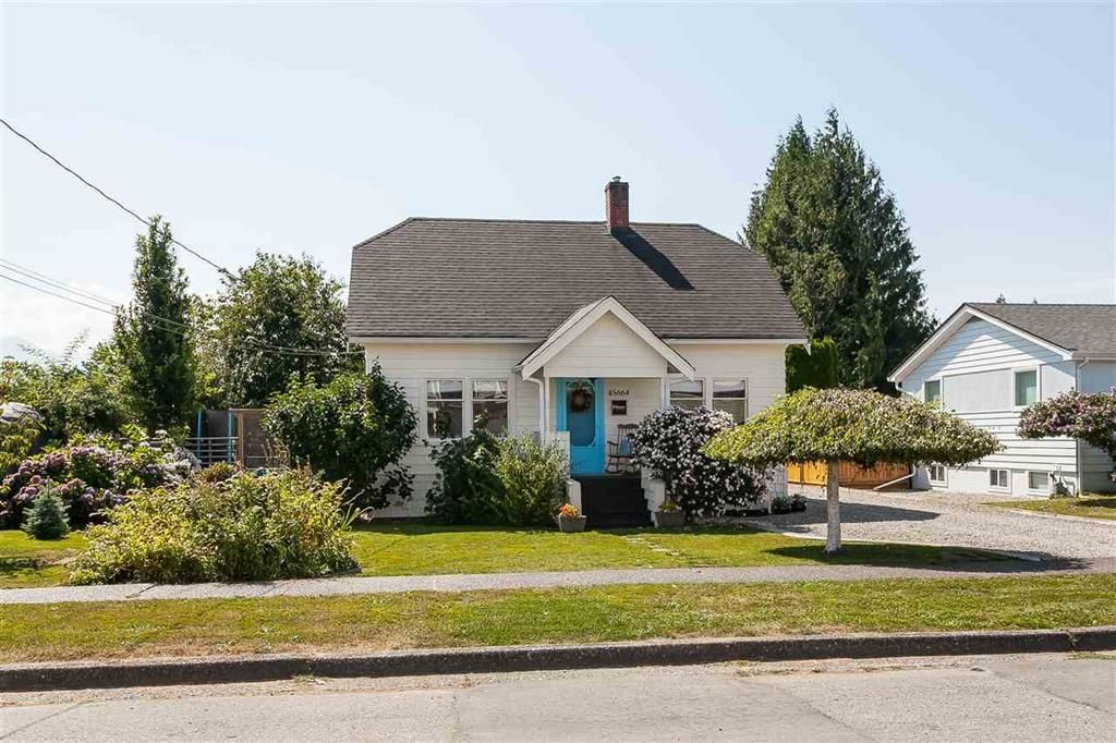 Main Photo: 45664 Reece Avenue in Chilliwack: Chilliwack N Yale-Well House for sale : MLS®# R2485282