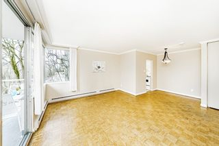 "Photo 5: 403 1219 HARWOOD Street in Vancouver: West End VW Condo for sale in ""The Chelsea"" (Vancouver West)  : MLS®# R2438842"