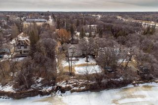 Photo 32: 3803 Vialoux Drive in Winnipeg: Charleswood Residential for sale (1F)  : MLS®# 202105844