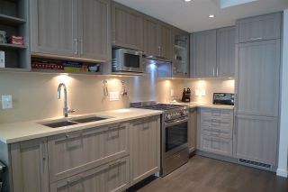 """Photo 4: 308 5515 BOUNDARY Road in Vancouver: Collingwood VE Condo for sale in """"WALL CENTRE CENTRAL PARK"""" (Vancouver East)  : MLS®# R2184017"""