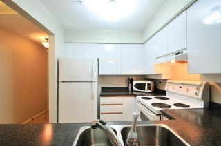 "Photo 5: 112 1009 HOWAY Street in New Westminster: Uptown NW Condo for sale in ""HUNTINGTON WEST"" : MLS®# R2045369"