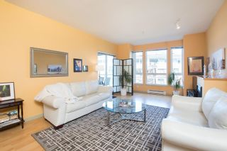 Photo 7: 203 14 E ROYAL Avenue in New Westminster: Fraserview NW Condo for sale : MLS®# R2618179