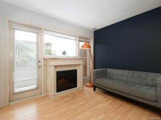 Photo 3: 203 919 MARKET St in Victoria: Vi Hillside Condo for sale : MLS®# 843802