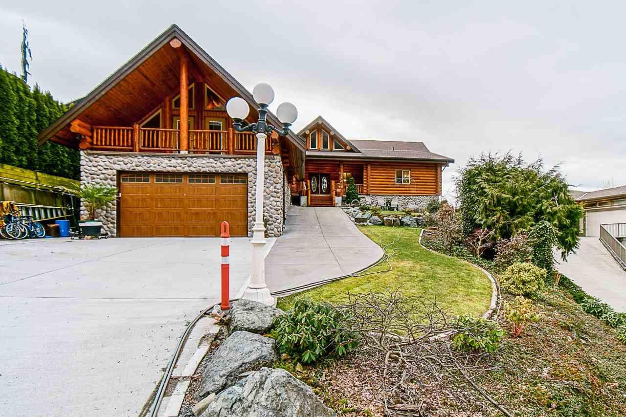 Main Photo: 7237 MARBLE HILL Road in Chilliwack: Eastern Hillsides House for sale : MLS®# R2546801