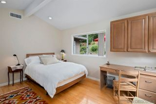Photo 17: LA JOLLA House for sale : 4 bedrooms : 6057 Avenida Chamnez