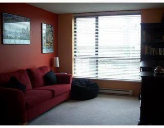 """Photo 5: 301 3438 VANNESS Avenue in Vancouver: Collingwood VE Condo for sale in """"THE CENTRO"""" (Vancouver East)  : MLS®# V654856"""