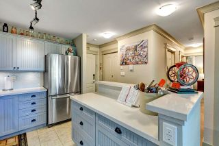 """Photo 8: 402 15991 THRIFT Avenue: White Rock Condo for sale in """"Arcadian"""" (South Surrey White Rock)  : MLS®# R2621325"""