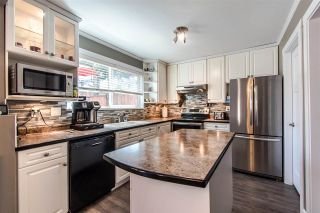 Photo 4: 6059 BROOKS Crescent in Surrey: Cloverdale BC House for sale (Cloverdale)  : MLS®# R2377690
