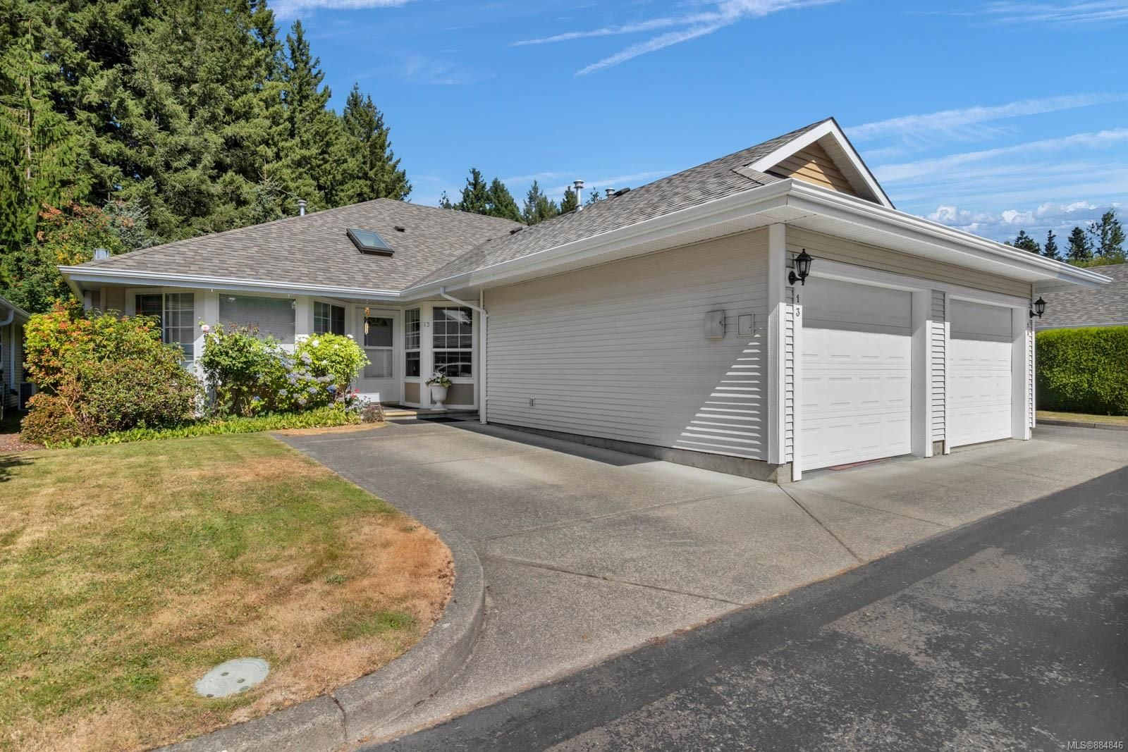 Main Photo: 13 2010 20th St in Courtenay: CV Courtenay City Row/Townhouse for sale (Comox Valley)  : MLS®# 884846