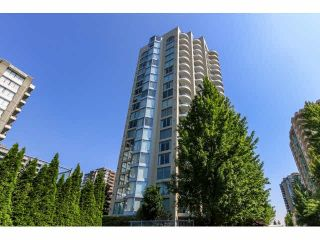 """Photo 2: 2203 739 PRINCESS Street in New Westminster: Uptown NW Condo for sale in """"BERKLEY PLACE"""" : MLS®# V1125945"""