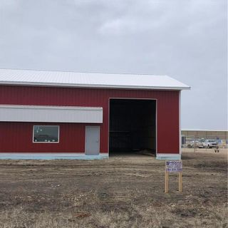 Photo 2: E 450 Kuzenko Street in Niverville: R07 Industrial / Commercial / Investment for lease : MLS®# 202124387